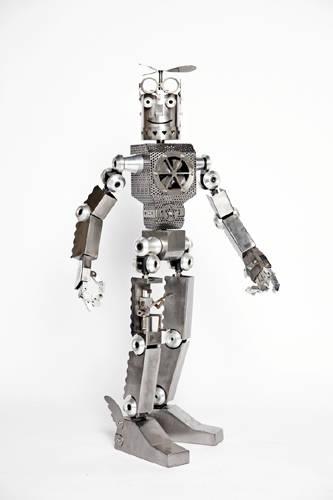 김진우, '플라잉맨'. 스틸, 스테인리스, 모터, 알루미늄, 엘이디, 130 x 75 x 40cm. 2011.